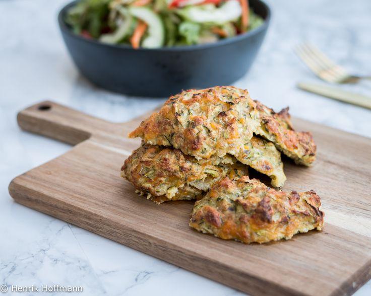 Lækkert tilbehør til et stykke grillet kød eller hvis du har lyst til en meat-free dag, så kan disse deller fint bruges med lidt salat og brød til.