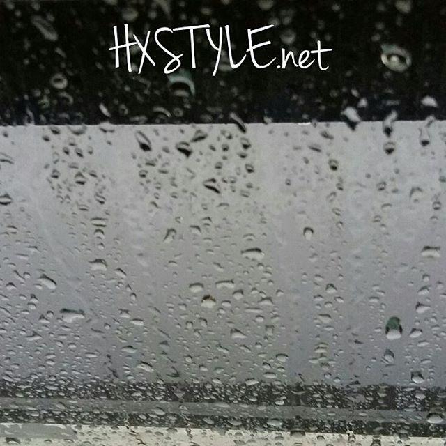 KEVÄT AIKA.... LUONTO&YMPÄRISTÖ. Suomen VUODENAJAT...Eilen satoi vettä, harmaata ja märkää Ulkona...VESI SADE ja Pisarat näyttävät Kauniilta vai mitä? Tykkään katsella sisällä 😉#luonto #ympäristö #kevät #suomi #vuodenajat #sade #pisarat #blogi #kevätseuranta 📰📷🌼⏰👀☺👍