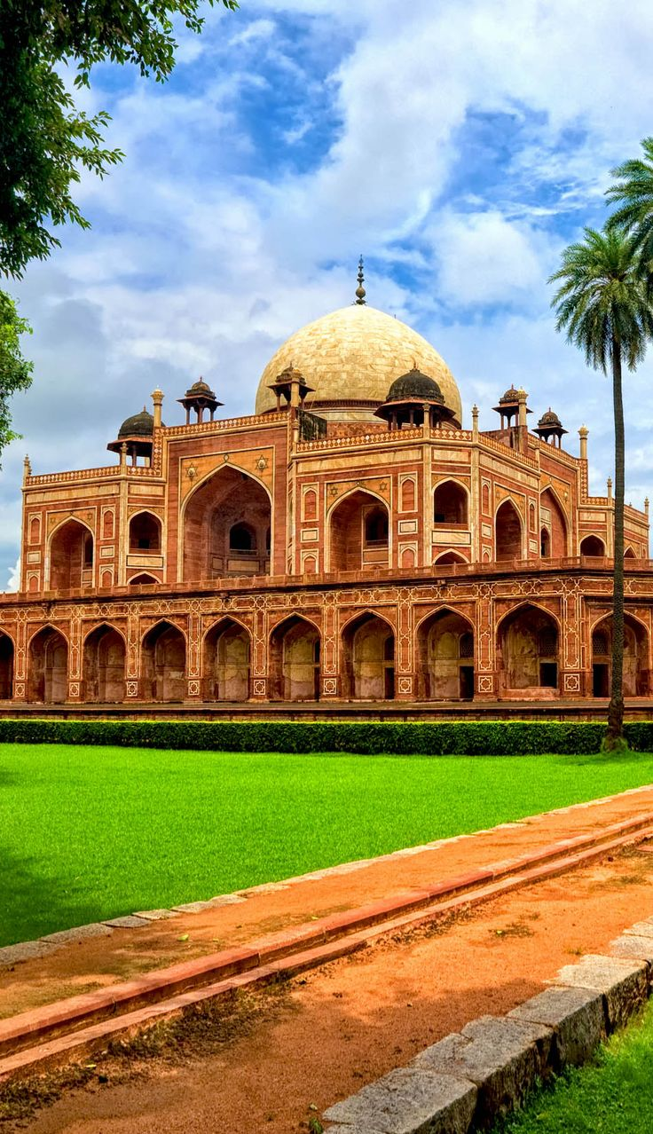 Humayun's Tomb, New Delhi, India | 20+ Amazing Photos of India, a Fascinating Travel Destination