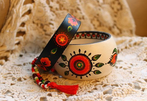 Nordic, scandinavian, folk, ethnic style wooden braceletes, bangles. White and black. Flower and sun pattern. Decoupaged and painted.