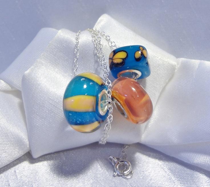 Hand made Large hole beads, fits most known brands. .-- Billes faites à la main a grand trou, conviennent à la plupart des maques connues.$10.00 ch.