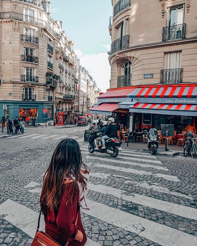 where to stay in paris first time