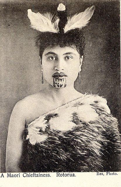 Maori woman with chin tattoo