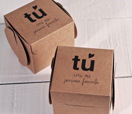 En estas dos cajas pon cartas y pequeños detalles de amor para esa persona especial