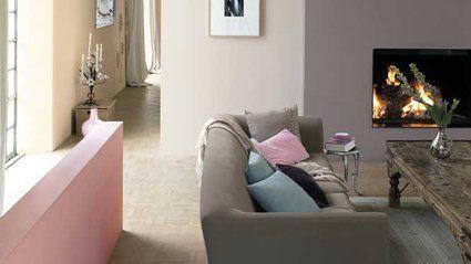 de quelle couleur repeindre des murs beiges associ s du bordeaux pour agrandir une pi ce. Black Bedroom Furniture Sets. Home Design Ideas