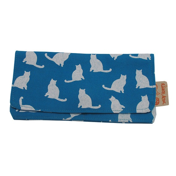Am I too old?: Kitties Zipper, Blue Cats, Cats Wallet, Kitty Wallet, Blue Kitty, Cat Wallet, Blue Kitties