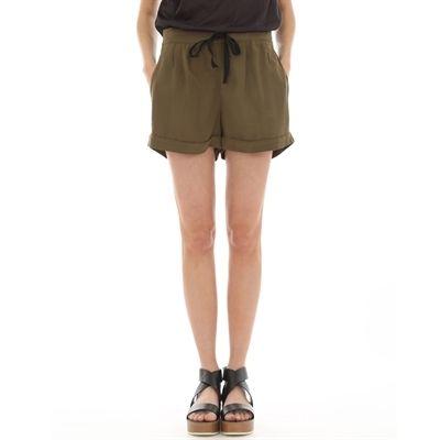 ✔ (Merci Noël) Short kaki by Pimkie parce que les shorts fluides c'est trop comfortable et ça peut faire classe