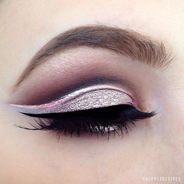 Silvery-pink cut-crease | 19 Ways Pink Eyeshadow Can Look Badass AF