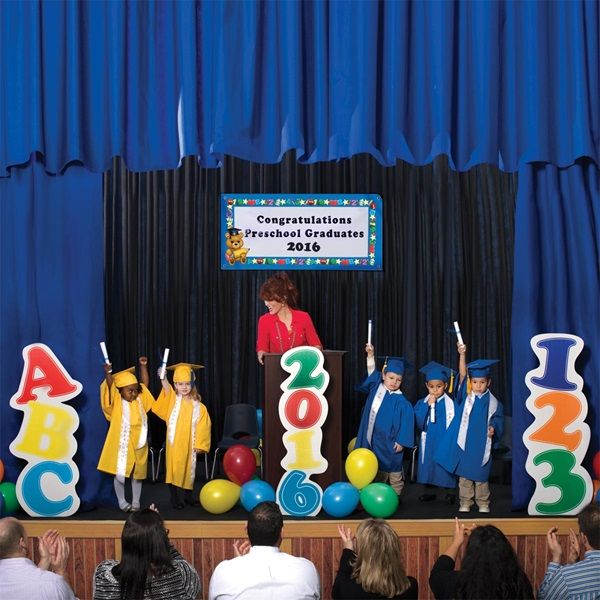 Rhyme university 39 s akademia graduation graduation - Kindergarten graduation decorations ...