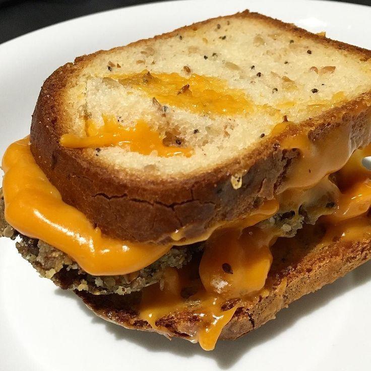Yesterday's vegan junk food : gluten free bread / leftovers red rice / quinoa balls / vegan cheddar  #plantbased #vegansofig #healthy #whatveganseat #veganfood #veggie #vegetarian #nowheat #glutenfree #glutenfreevegan #veganjunkfood by alicedavallan