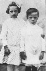 Titanic survivors Lillian and Felix Asplund, aged 5 and 3.  Lillian was the last survivor with actual memories  of the sinking.  She passed away in 2006.
