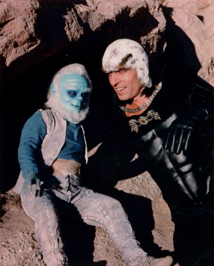 Odee-x (Felix Silla) & Hawk (Hawk (Thom Christopher) - Buck Rogers in the 25th Century S02E03-04: Journey to Oasis, Parts 1 & 2 (First Aired January 22, 1981)