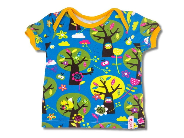 """T-Shirt """"Appletree""""    sewed from high-class fabrics    with envelope openings at the shoulders     according to E-Book from Klimperklein"""