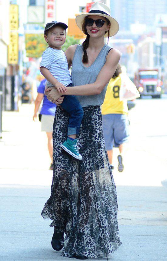 Summer Weekend Outfits We Love: Miranda Kerr's Easy, Breezy Summer Style