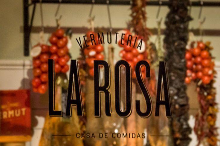 La Rosa Vermuteria erobert in Palma de Mallorca seine Gäste im Restaurant mit Tapas, Retro Dekor und der magischen Zutat Wermut für La Hora del Vermut.