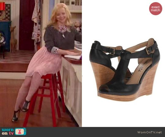 Liv's nail polish print shirt, grey cropped sweater and pink pleated lace skirt on Liv and Maddie.  Outfit Details: https://wornontv.net/45455/ #LivandMaddie