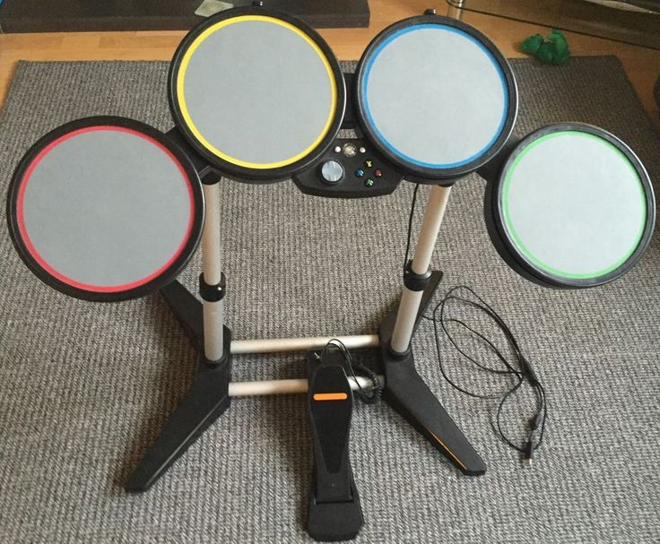 ROCK BAND XBOX 360 DRUMS AND PEDAL