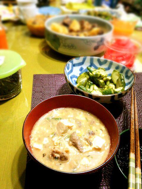 こどもの日=鯉のぼり≒鯉こく (´∇`) 実家のおばあちゃん手作り。生姜たっぷりで独特の臭みが消えてます。 - 25件のもぐもぐ - 鯉こく汁 by トミーサク