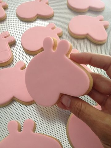 peppa pig cookies con fondant