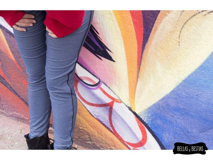 Calza tipo jeans, con borde negro. $ 8.500  - Talla standard - Costuras reforzadas - Pretina alta  CÓDIGO BBCALJE  * Se pueden mandar a hacer tallas más grandes. Consultar vía inbox.  http://www.facebook.com/tiendabellasybestias