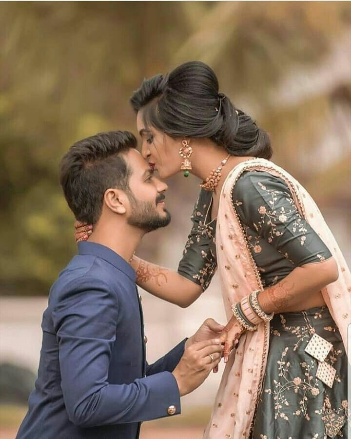 Pin By Lorena On Beautiful Brides Couples Wedding Ideas Wedding Couple Pictures Wedding Couple Poses Photography Indian Wedding Photography Couples
