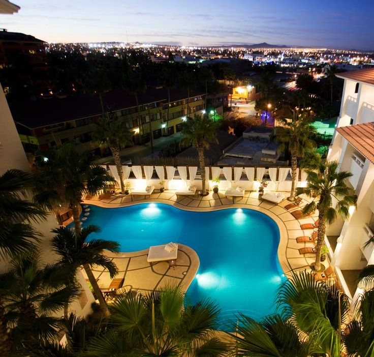 Bahia Hotel & Beach House- stylish boutique hotel is a 3-minute walk from El Médano Beach and 2.6 km from the El Arco rock formation in Cabo San Lucas.