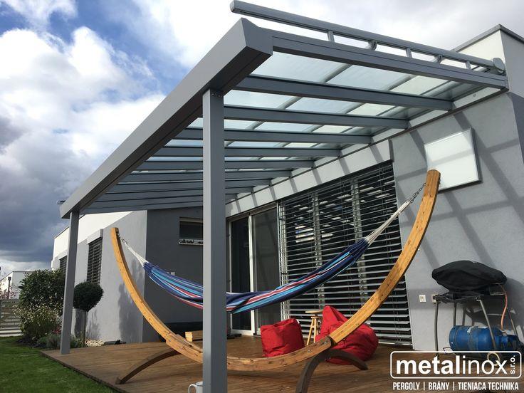 Oceľový HEFTY prístrešok s krytinou sklo a výsuvnou markízou. Steel shelter house with glass and sunscreen. Shelter/pergola/caport