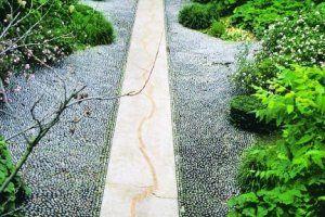 Ścieżki z kamienia drogo i tanio - zdjęcie