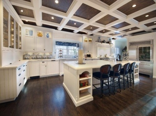 Interesting lattice work on cabinets as well as ceiling detail.  Like the refrig!