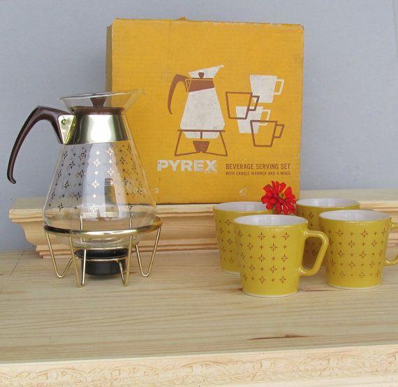 Pyrex - carafe and mug set - atomic - starburst - vintage - retro - kitchen decor