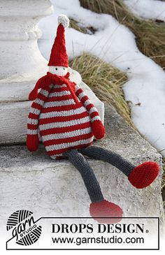 Santa Baby FREE KNITTING PATTERN via Ravelry a cute Christmas doll I think looks more like an elf but still makes a cute pressie for a little one