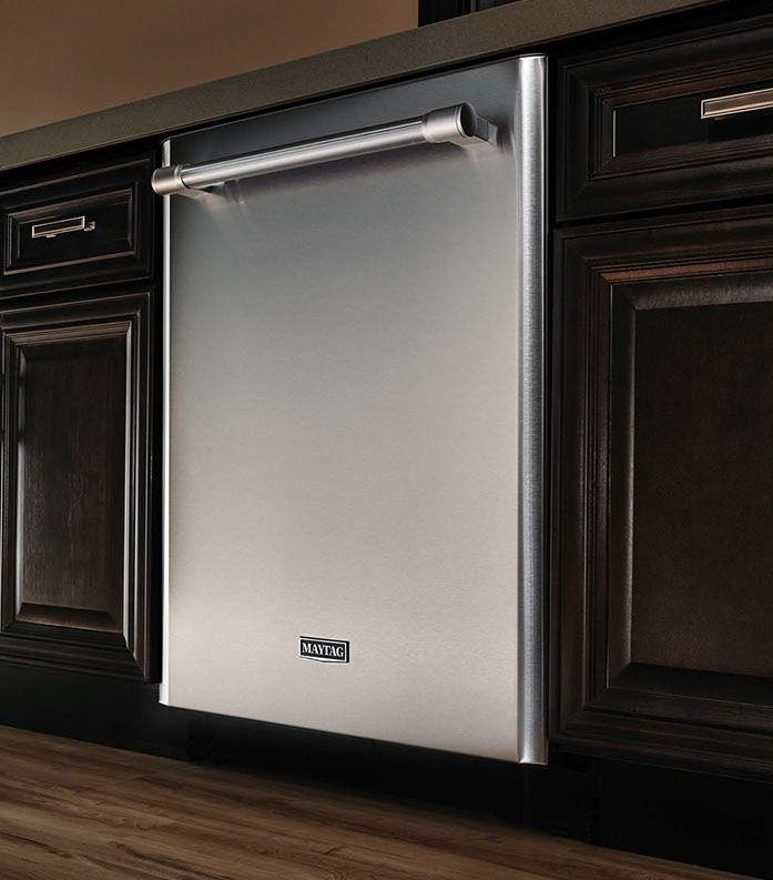 An American kitchen needs hard workers, and this Maytag Dishwasher with a 4-blade stainless steel chopper is ready to take on the dirty jobs.