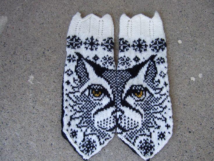 Ravelry: Love Lo (Lynx mittens) pattern by JennyPenny