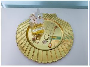 Gold Clam Shell Tray —