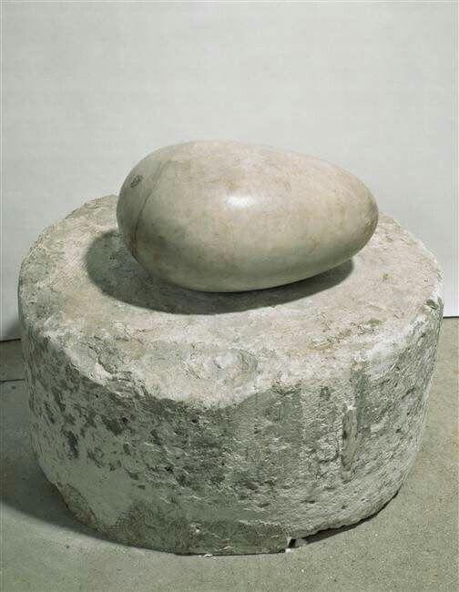 Constantin Brancusi, escultura para el ciego (principio del mundo) mármol, 1916