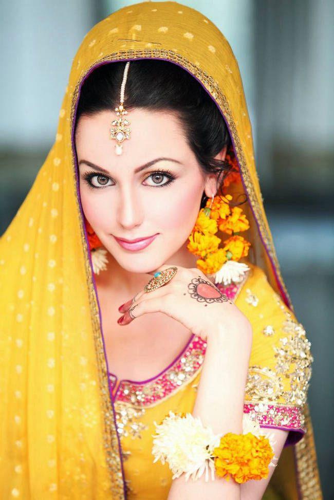 #Desi, #IndoPak Wedding: A stunning look for a mehndi or haldi ceremony!