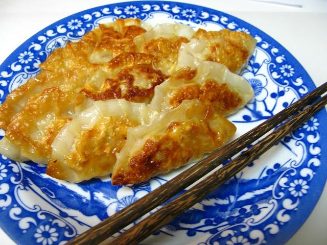 I Believe I Can Fry: Gyoza - Japanese Pan-Fried Dumplings ...