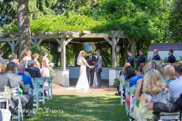 Addison Oaks Buhl Estate Wedding in Leonard Michigan by Geneva Simons Photography 1 (23)