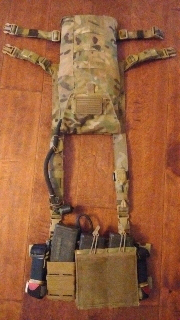 HSGI minimalist chest rig Grey Ghost hydration