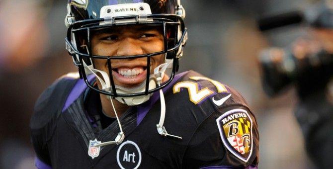 Ray Rice, jucătorul de fotbal american care şi-a lovit logodnica, criticat de preşedintele Obama