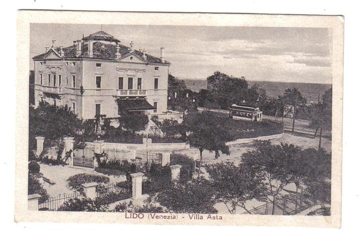 Lido of #Venice, Villa Asta in the 1930's with an old tram. Now it is a nice B, Villa Gabriella, http://www.villagabriella.net