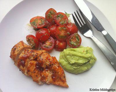 Kristins Middagstips: BBQ-kylling med tomatsalat og avocadosalsa
