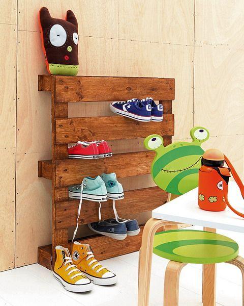 pallet: Shoerack, For Kids, Kids Shoes, Wooden Pallets, Shoes Storage, Pallets Ideas, Shoe Racks, Shoes Racks, Kids Rooms