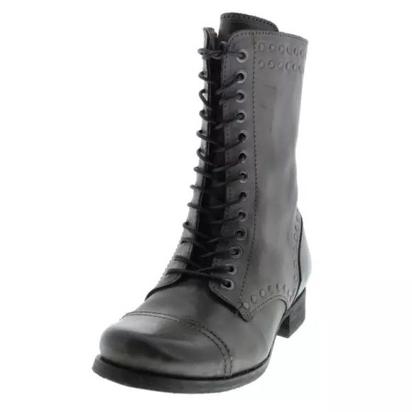 NWT*DIESEL The Wild Land Arthik Gray Lace-Up Boots Manufacturer: Diesel Size: 8.5 Manufacturer Color: Dusty Green Retail: $350.00 Condition: New with box Style Type: Lace-Up Boot Collection: Diesel Heel Height (Inches): 1 Inches Platform Height (Inches): 1/4 Inches Shaft Height (Inches): 8 3/4 Inches Shaft Width (Inches): 11 Inches Closure: Side Zipper Material: Leather/Man Made Fabric Type: Leather Specialty: Studded Diesel Shoes