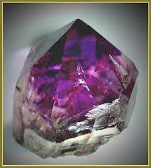 Картинки по запросу пурпурные кристаллы природные