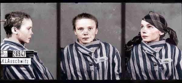 Το κορίτσι του Άουσβιτς κοιτά τον φακό για τελευταία φορά. Λίγο πριν την είχαν ξυλοκοπήσει επειδή δεν μιλούσε Γερμανικά