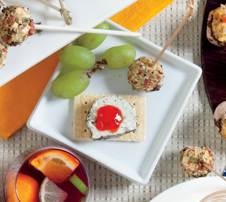 Mini Appetizer Plates: Showcase an endless assortment of tastes and flavours on these glazed French white stoneware plates.