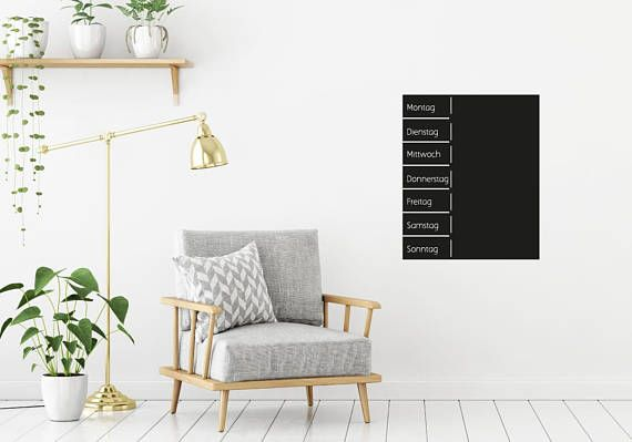 Tafelfolie an die Wand: so schick und einfach kannst du deine Wochen ganz entspannt neu entdecken und planen. #tafel #planer #wochenplaner #todo #schreiben #neuesjahr #etsy #organizer #tafelfolie #wohnzimmer #idee #inspiration #handgefertigt #kreide