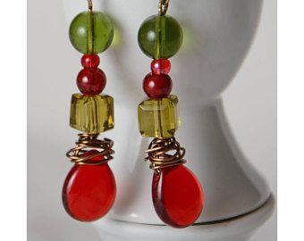 boucles d'oreilles pendantifs verre rouges vertes