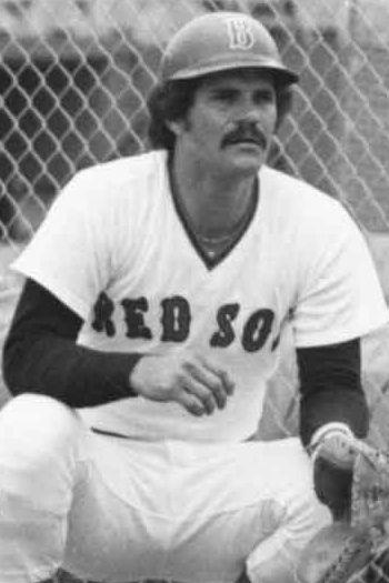 """26- Baudilio """"Bo"""" Díaz Nació en Cúa, Estado Miranda el 23 de marzo de 1953 y murió en Caracas el 23 de noviembre de 1990. En las Grandes Ligas apareció el 6 de septiembre de 1977 con los Boston Red Sox, siendo el venezolano 26º en las mayores."""